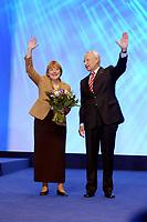 11 NOV 2002, HANNOVER/GERMANY:<br /> Angela Merkel, CDU Bundesvorsitzende, und Edmund Stoiber, CSU, Ministerpraesident Bayern, nach Stoibers Rede, CDU Bundesparteitag, Hannover Messe<br /> IMAGE: 20021111-01-184<br /> KEYWORDS: Parteitag, party congress, Applaus, Jürgen Rüttgers, Beifall