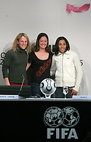 Die drei nominierten Frauen Kristine Lilly, Renate Lingor und Marta. © Valeriano Di Domenico/EQ Images