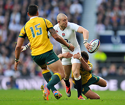 Mike Brown of England looks to offload the ball - Photo mandatory by-line: Patrick Khachfe/JMP - Mobile: 07966 386802 29/11/2014 - SPORT - RUGBY UNION - London - Twickenham Stadium - England v Australia - QBE Internationals