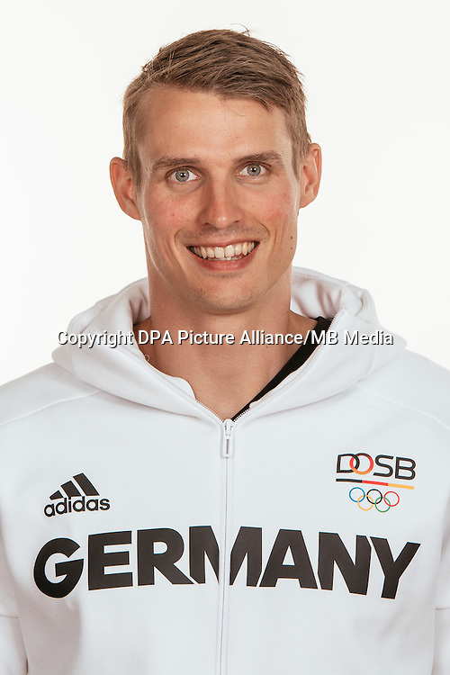 Sven Knipphals poses at a photocall during the preparations for the Olympic Games in Rio at the Emmich Cambrai Barracks in Hanover, Germany, taken on 20/07/16 | usage worldwide