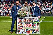 ALKMAAR - 01-05-2016, AZ - de Graafschap, AFAS Stadion, 4-1, afscheid AZ speler Jeffrey Gouweleeuw, Robert Eenhoorn , Max Huiberts.