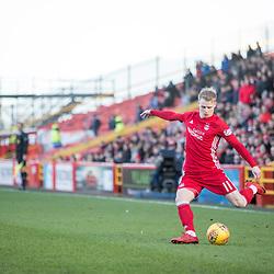 Aberdeen v Kilmarnock, Scottish Premiership, 27th January 2018<br /> <br /> Aberdeen v Kilmarnock, Scottish Premiership, 27th January 2018 &copy; Scott Cameron Baxter | SportPix.org.uk<br /> <br /> Gary Mackay-Steven swings in a cross.