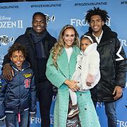 NLD/Amsterdam/20191116 - Filmpremiere Frozen II, Remy Bonjasky met partner Renate en zonen Cassius, Clay en dochter Skye Rose