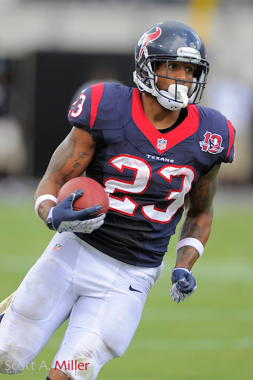 Houston Texans running back Arian Foster (23) runs with the ball during the NFL game between the Texans and the Jacksonville Jaguars, at EverBank Field on September 16, 2012 in Jacksonville, Florida. The Texans won 27-7...©2012 Scott A. Miller.