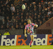 Twickenham, GREAT BRITAIN,   Stades' Noel OELSCHIG, kicking during the Heineken Cup Rugby Pool 4. Match, Harlequins vs Stade Francais, played at Twickenham Stoop, Twickenham, Surrey, on Sat, 13.12.2008.  [Photo, Peter Spurrier/Intersport-images]