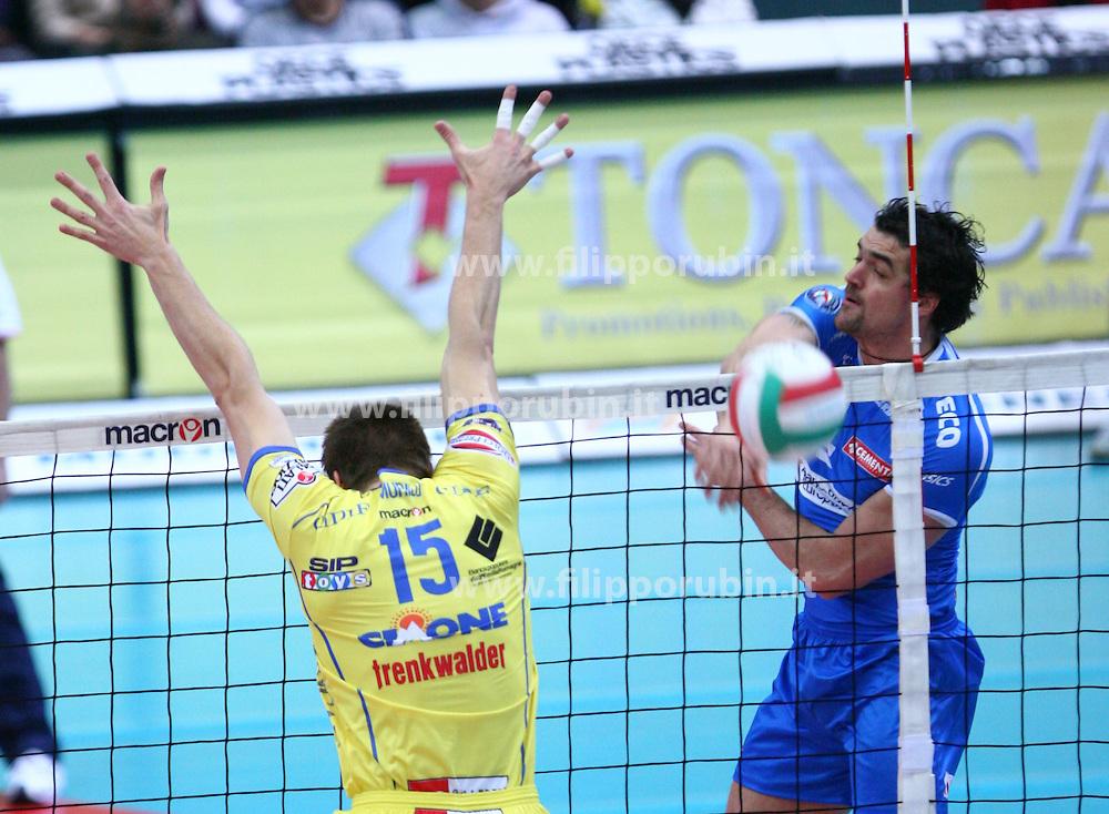 Wout Wijsmans in attacco.Cimone Modena - Lannutti Cuneo.Campionato volley A1-M 07-08.Foto Galbiati-Rubin