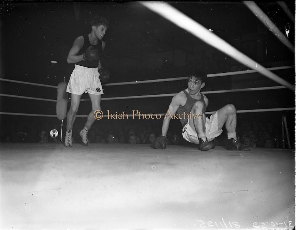 31/10/1952.10/31/1952.31 October 1952.Boxing Germany v Ireland   31/10/1952.10/31/1952.31 October 1952.Boxing Germany v Ireland at the National Stadium..M. McCullagh v R. Willie.