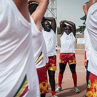11/06/2013. Stade Iba Mar Diop, Dakar, Senegal. Les joueurs de l'équipe de rugby du Senegal s'échauffent avant de disputer premier match de la demi-finale de la Coupe d'Afrique des Nations B contre la Namibie. ©Sylvain Cherkaoui
