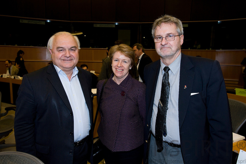 BRUSSELS - BELGIUM - 23 JANUARY 2008 -- From left rapporteur and MEP Bernard LEHIDEUX, Muriel DUNBAR, Director European Training Foundation and MEP and Chairman for Committee on Employment and Social Affairs Jan ANDERSSON.   Photo: Erik Luntang/