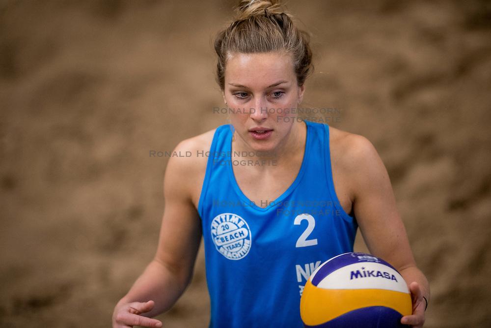 08-01-2017 NED: NK Beachvolleybal Indoor, Aalsmeer<br /> Marloes Wesselink #2