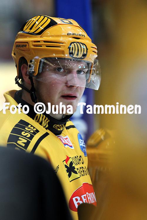 28.09.2010, H?meenlinna..J??kiekon SM-liiga 2010-11. .HPK - KalPa..Jussi Pesonen - KalPa.©Juha Tamminen.