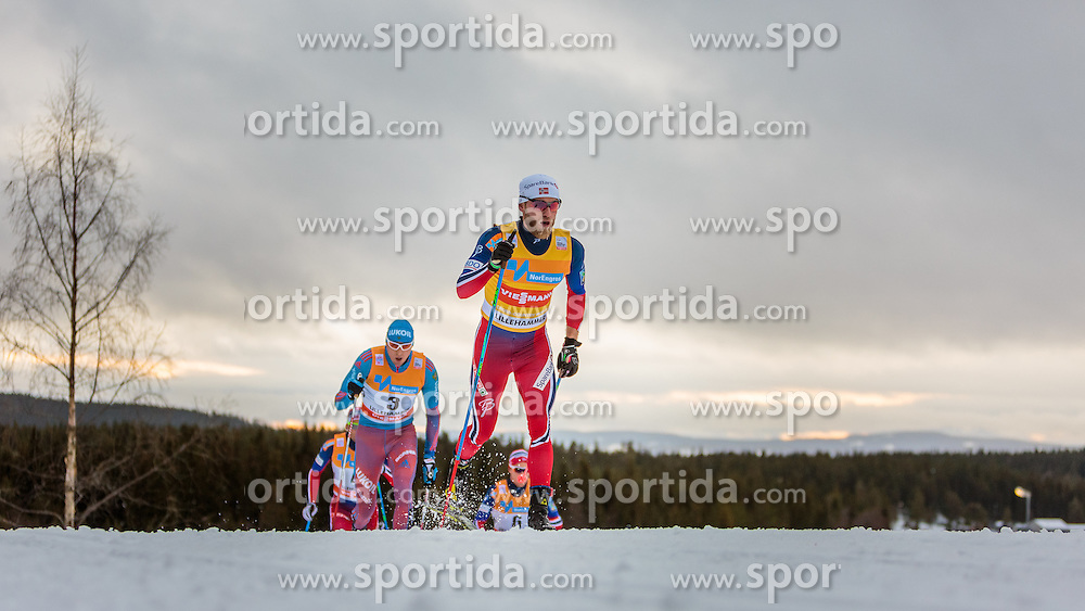 05.12.2015, Nordic Arena, NOR, FIS Weltcup Langlauf, Lillehammer, Herren, im Bild v.l.: Alexander Legkov (RUS), Martin Johnsrud Sundby (NOR) // Alexander Legkov of Russian Federation and Martin Johnsrud Sundby of Norway during Mens Cross Country Competition of FIS Cross Country World Cup at the Nordic Arena, Lillehammer, Norway on 2015/12/05. EXPA Pictures © 2015, PhotoCredit: EXPA/ JFK