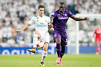 Real Madrid's Alvaro Tejero (l) and ACF Fiorentina's Khouma Babacar during Santiago Bernabeu Trophy. August 23,2017. (ALTERPHOTOS/Acero)