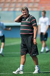 BAKU, AZERBAIJAN - Friday, June 5, 2009: Wales' manager John Toshack MBE during training at the Shafa Stadium ahead of the 2010 FIFA World Cup Qualifying Group 4 match against Azerbaijan. (Pic by David Rawcliffe/Propaganda)