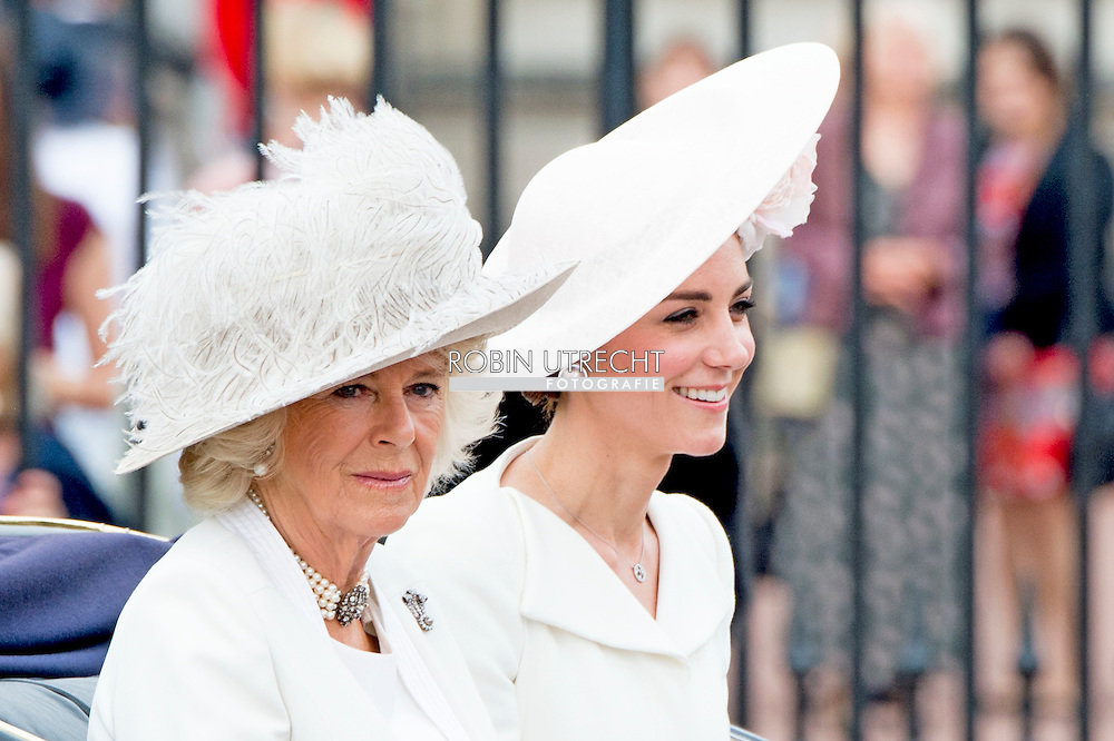 11-6-2016 LONDON British Royal Family at Trooping the Colour Queen Elizabeth, The Prince of Wales Charles, The Duchess of Cornwall Camilla, The Duke and Duchess of Cambridge, Prince George, Princess Charlotte , Prince Andrew and Princess Anne in London, United Kingdom, trooping the colour  , The annual trooping the color is to honor the Queens official birthday. Queen Elizabeth, Prince Philip the Duke of Edinburgh, Charles The Prince of Wales and the Camilla Duchess of Cornwall, William and Kate The Duke and Duchess of Cambridge, Prince Harry, Princess Anne Princess Royal and Timothy Lauwrence, Prince Andrew the Duke of York, Prince Edward and Princess Sophie The Earl and Countess of Wessex,  Princess Beatrice and Princess Eugenie  koets ciarrage ride balkon see elizabeth charles camilla george willliam kate COPYRIGHT ROBIN UTRECHT<br /> LONDEN - (VLNR) Camilla, prins Charles, Catherine, Charlotte, George, Prins William, koningin Elizabeth en prins Philip op het balkon tijdens de militaire parade voor Koninginnedag en de viering van de 90ste verjaardag van de Britse vorstin.