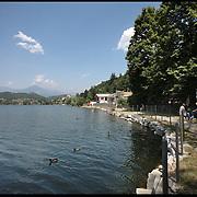 Il Parco Naturale Laghi di Avigliana, istituito nel 1980, è situato allo sbocco della Valle di Susa, ai piedi del Monte Pirchiriano su cui sorge l'antica abbazia della Sacra di San Michele, in una caratteristica zona dell'anfiteatro morenico di Rivoli-Avigliana, distante poco più di 20 chilometri da Torino.