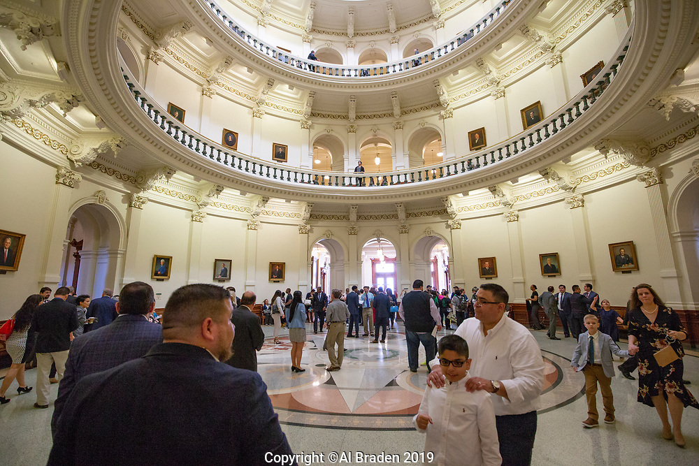 Texas Capitol on Opening Day of 86th Ledgislature