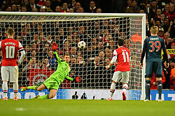 19.02.2014, Emirates Stadion, London, ENG, UEFA CL, FC Arsenal vs FC Bayern Muenchen, Achtelfinale, im Bild Bayern Munich's Manuel Neuer haltet einen Elfmeter von Arsenal's Mesut Oezil // Bayern Munich's Manuel Neuer saves, penalty from Arsenal's Mesut Oezil during the UEFA Champions League Round of 16 match between FC Arsenal and FC Bayern Munich at the Emirates Stadion in London, Great Britain on 2014/02/19. EXPA Pictures © 2014, PhotoCredit: EXPA/ Mitchell Gunn<br /> <br /> *****ATTENTION - OUT of GBR*****