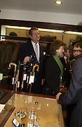 Lord Charles Spencer- Churchill. Charles Finch and Dr. Franco Beretta host launch of Beretta stor at 36 St. James St. London. 10  January 2006. ONE TIME USE ONLY - DO NOT ARCHIVE  © Copyright Photograph by Dafydd Jones 66 Stockwell Park Rd. London SW9 0DA Tel 020 7733 0108 www.dafjones.com