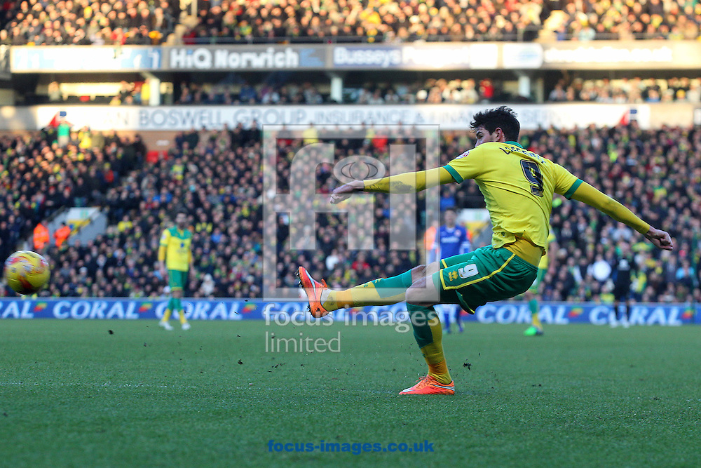 Kyle Lafferty of Norwich scores his sides 2nd goal during the Sky Bet Championship match at Carrow Road, Norwich<br /> Picture by Paul Chesterton/Focus Images Ltd +44 7904 640267<br /> 17/01/2015