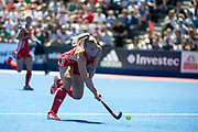 Hannah Martin. England v Argentina, Lee Valley Hockey and Tennis Centre, London, England on 10 June 2017. Photo: Simon Parker