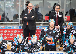 19.01.2020, Keine Sorgen Eisarena, Linz, AUT, EBEL, EHC Liwest Black Wings Linz vs Moser Medical Graz 99ers, 42. Runde, im Bild v.l. Head-Coach Tom Rowe (EHC Liwest Black Wings Linz), Head-Coach Mark Szücs (EHC Liwest Black Wings Linz) // during the Erste Bank Eishockey League 42th round match between EHC Liwest Black Wings Linz and Moser Medical Graz 99ers at the Keine Sorgen Eisarena in Linz, Austria on 2020/01/19. EXPA Pictures © 2020, PhotoCredit: EXPA/ Reinhard Eisenbauer