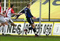 BRUGGE BRUGES 08/02/2004<br /> SPORT - VOETBAL - FOOTBALL /<br /> CLUB BRUGGE - ANTWERP /<br /> FC BRUGES - ANVERS /<br /> BUT - DOEL / RUNE LANGE /<br /> PICTURE BY JIMMY BOLCINA /<br /> COPYRIGHT PHOTO NEWS /