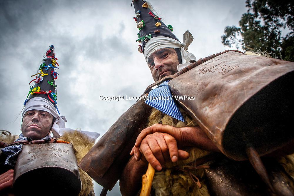 `La Vijanera´carnival,`Zamarracos´preparing the carnival, Silio, Molledo. Cantabria, Spain.