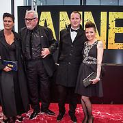 NLD/Amsterdam/20140508 - Wereldpremiere Musical Anne, Ernst Daniel Smid en partner Aly Burgers en zoon Geert en schoondochter Sanne Kraaykamp