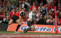 Photo: Rich Eaton.<br /> <br /> Wales v Canada. Invesco Perpetual Series. 17/11/2006. Gareth Thomas Wales full back and captain scores an early first half try