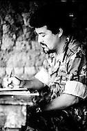 Fotos de Archivo de  Leonel Gonalez,del Frente Farabundo Marti (FMLN) durante los anos de la guerra civil. Photo: Imagenes Libres.