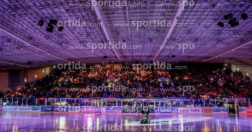 27.02.2015, Eisstadion Liebenau, Graz, AUT, EBEL, Moser Medical Graz 99ers vs EC KAC, 52. Runde, im Bild Fans // Fans before the Erste Bank Icehockey League 52nd Round match between Moser Medical Graz 99ers and EC KAC at the Ice Stadium Liebenau, Graz, Austria on 2015/02/27, EXPA Pictures © 2015, PhotoCredit: EXPA/ Erwin Scheriau