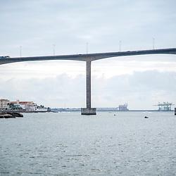 Terceira Ponte (Vitória / VilaVelha - ES) fotografado em Vitória, capital do estado do Espírito Santo -  Sudeste do Brasil. Oceano Atlântico. Registro feito em 2018.<br /> ⠀<br /> ⠀<br /> <br /> <br /> <br /> ENGLISH: Third Bridge photographed in Vitória, capital of the Espírito Santo state - Southeast of Brazil. Atlantic Ocean. Picture made in 2018.