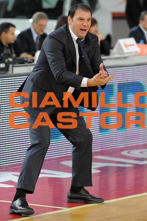 DESCRIZIONE : Roma Eurolega 2009-10 Lottomatica Virtus Roma Maccabi Electra Tel Aviv<br /> GIOCATORE : Coach Ferdinando Gentile<br /> SQUADRA : Lottomatica Virtus Roma<br /> EVENTO : Eurolega 2009-2010<br /> GARA : Lottomatica Virtus Roma Maccabi Electra Tel Aviv<br /> DATA : 12/11/2009 <br /> CATEGORIA : Delusione<br /> SPORT : Pallacanestro <br /> AUTORE : Agenzia Ciamillo-Castoria/G.Vannicelli<br /> Galleria : Eurolega 2009-2010 <br /> Fotonotizia : Roma Eurolega 2009-10 Lottomatica Virtus Roma Maccabi Electra Tel Aviv<br /> Predefinita :