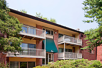 Architectural photography of Hunters Crossing Apartments in Leesburg VA by Jeffrey Sauers of Commercial Photographics.