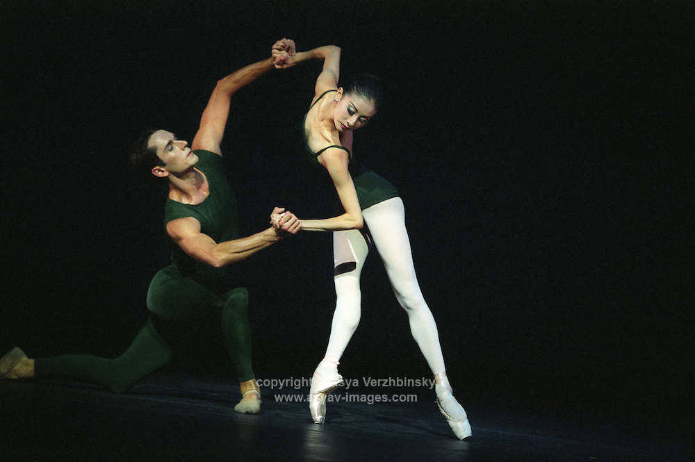 """San Francisco Ballet's Yuan Yuan Tan and Damian Smith in Christopher Wheeldon's """"Continuum"""""""