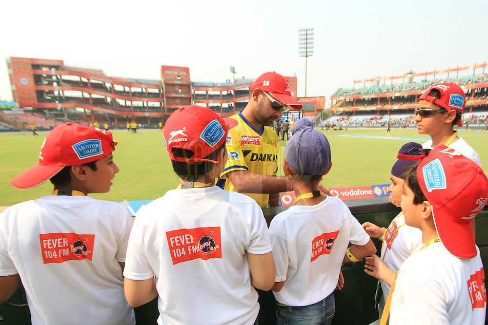 Amit Mishra of Delhi Daredevils with fever 104 FM fans during match 26 of the Vivo IPL ( Indian Premier League ) 2016 between the Delhi Daredevils and the Kolkata Knight Riders held at The Feroz Shah Kotla Ground in Delhi, India,  on the 30th April 2016<br /> <br /> Photo by Arjun Singh / IPL/ SPORTZPICS