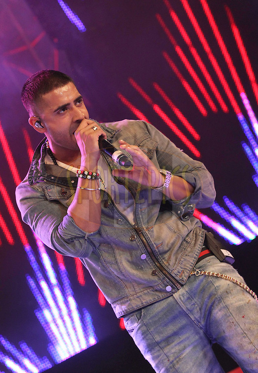 Jay Sean during the opening night concert of the CLT20 held at the Bangalore Palace Grounds in Bangalore, Karnataka, India on the 22nd September 2011..Photo by Shaun Roy/BCCI/SPORTZPICS
