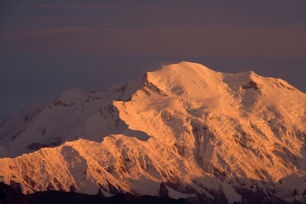 USA, Alaska, Denali National Park, Summit of Mount McKinley at sunset