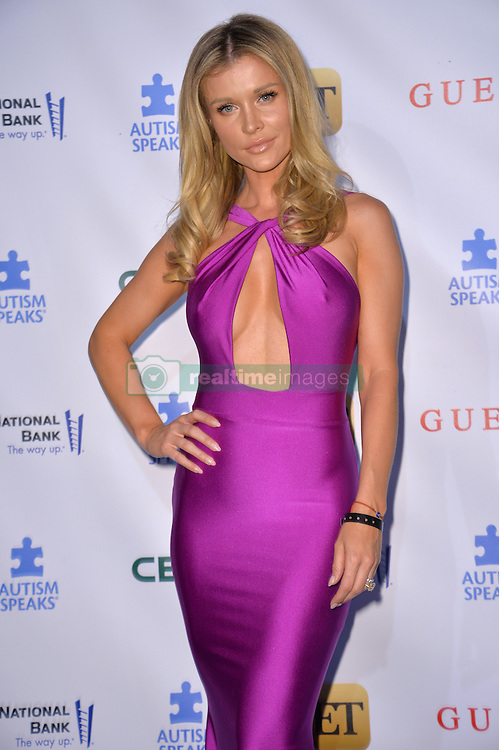Joanna Krupa  bei der Autism Speaks La Vie En Blue Benefizgala in Burbank / 290916<br /> <br /> *** Autism Speaks La Vie En Blue Fashion Gala at Warner Bros. Studios, Burbank, USA, September 29, 2016 ***