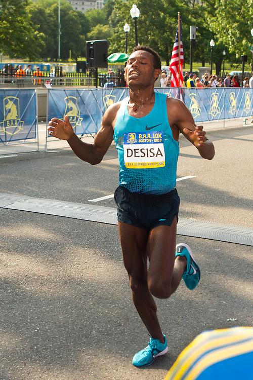 Lelisa Desisa, Ethiopia, runner-up