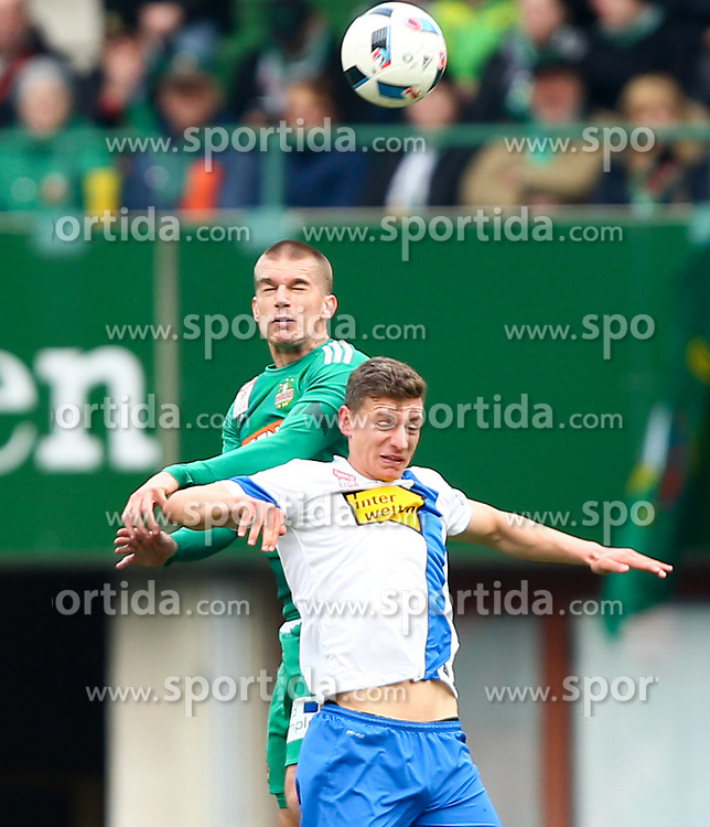 28.02.2016, Ernst Happel Stadion, Wien, AUT, 1. FBL, SK Rapid Wien vs SV Groedig, 24. Runde, im Bild Srdjan Grahovac (SK Rapid Wien) und Roman Kerschbaum (SV Groedig) // during a Austrian Football Bundesliga Match, 24th Round, between SK Rapid Vienna and SV Groedig at the Ernst Happel Stadion, Vienna, Austria on 2016/02/28. EXPA Pictures © 2016, PhotoCredit: EXPA/ Thomas Haumer