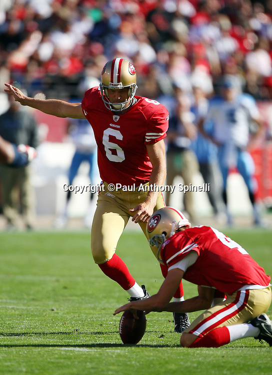 San Francisco 49ers kicker Joe Nedney (6) kicks a 40 yard field goal for a 3-0 lead during the NFL football game against the Tennessee Titans, November 8, 2009 in San Francisco, California. The Titans won the game 34-27. (©Paul Anthony Spinelli)