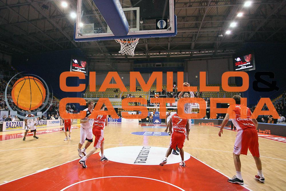 DESCRIZIONE : Biella Lega A 2009-10 Angelico Biella Cimberio Varese<br /> GIOCATORE : Pietro Aradori<br /> SQUADRA : Angelico Biella<br /> EVENTO : Campionato Lega A 2009-2010 <br /> GARA : Angelico Biella Cimberio Varese<br /> DATA : 14/02/2010 <br /> CATEGORIA : Tiro<br /> SPORT : Pallacanestro <br /> AUTORE : Agenzia Ciamillo-Castoria/S.Ceretti<br /> Galleria : Lega Basket A 2009-2010 <br /> Fotonotizia : Biella Campionato Italiano Lega A 2009-2010 Angelico Biella Cimberio Varese<br /> Predefinita :