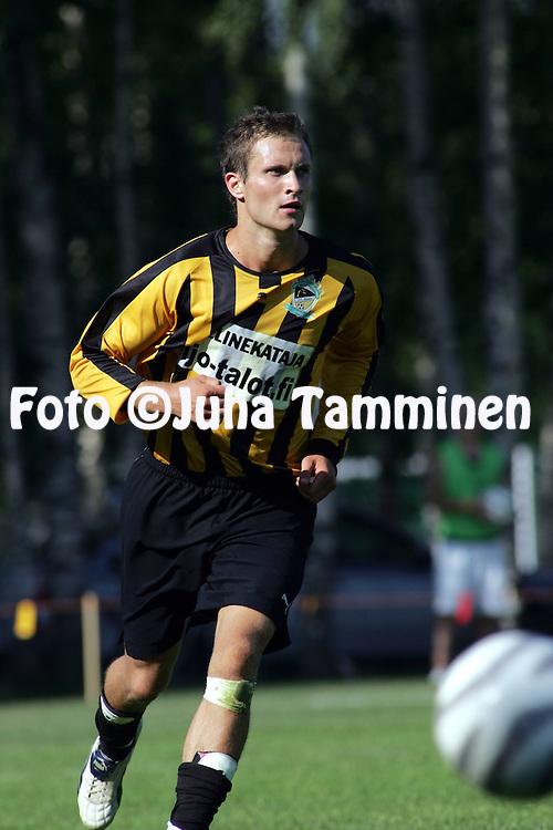16.07.2005, Tapiola, Espoo, Finland..Ykk?nen, FC Honka v Mikkelin Palloilijat.Hannu Patronen - Honka.©Juha Tamminen.....ARK:k