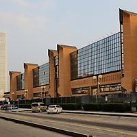 Il grattacielo di Intesa Sanpaolo di Torino, firmato da Renzo Piano, 166 metri di altezza su 7mila mq di superficie, ospita il nuovo centro direzionale del gruppo bancario.<br /> Intesa Sanpaolo Office Building Torino 2015, Italy