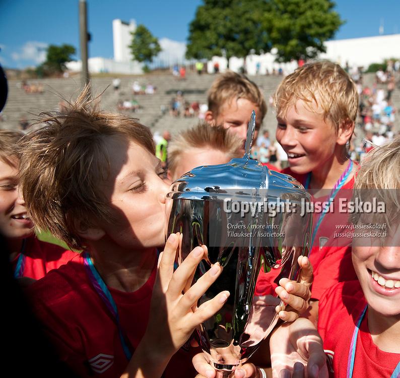 B13 KäPa. Helsinki Cup. Finaalit. 17.7.2010. Photo: Jussi Eskola