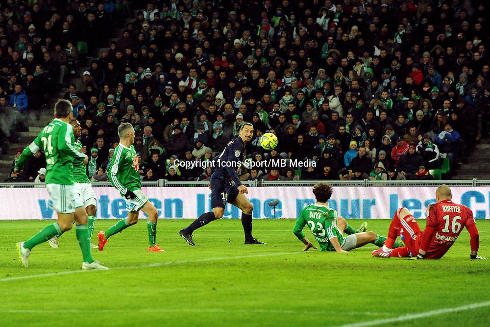 Zlatan IBRAHIMOVIC  / Stephane RUFFIER  - 25.01.2015 - Saint Etienne / PSG  - 22eme journee de Ligue1<br />Photo : Jean Paul Thomas / Icon Sport
