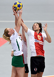 11-04-2015 NED: PKC SWKgroep - TOP Quoratio, Rotterdam<br /> Korfbal Leaguefinale in een volgepakt Ahoy / <br /> Lara Boonstoppel in duel met Daniel Harmsen
