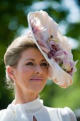 © licensed to London News Pictures. 14/06/2011. Ascot, UK. Belinda Strudwick arriving on day one at Royal Ascot races today (14/03/2011). The 5 day showcase event,  one of the highlights of the racing calendar is in it's 300th year. Horse racing has been held at the famous Berkshire course since 1711 and tradition is a hallmark of the meeting. Top hats and tails remain compulsory in parts of the course. Photo credit should read: Ben Cawthra/LNP